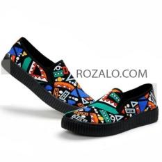 Giày lười slip on hoa văn graffiti Rozalo RW42815XB - Xanh Đen