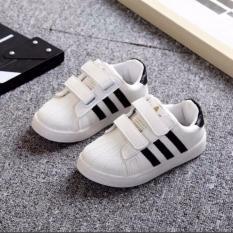 Giày thể thao trắng sọc đen mẫu mới cho bé
