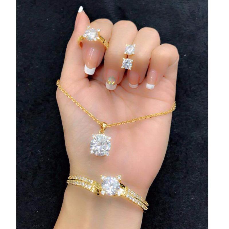 Bộ Trang Sức Xi Vàng 18K Đá Pha Lê Vuông Hoàng Hậu Gadoshop