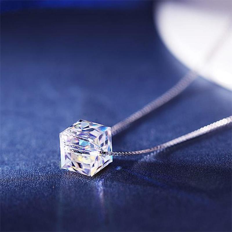 Dây chuyền bạc 925 hạt pha lê khối vuông cổ điển Aurora sn-ma396