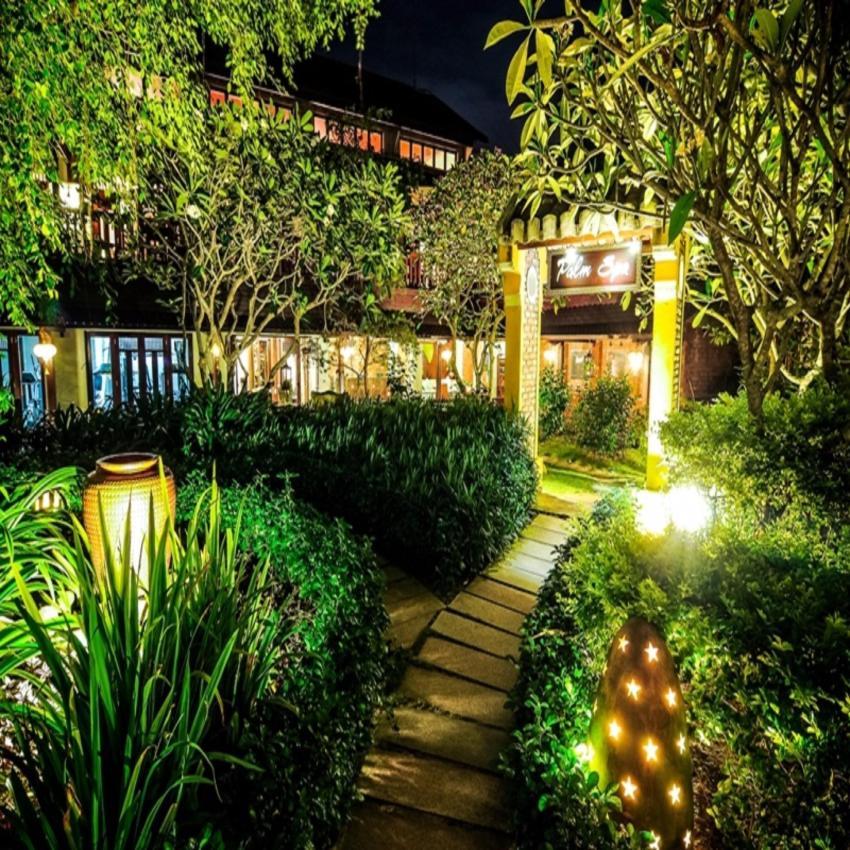 Khách sạn Palm Garden Beach Resort Cửa Đại Hội An tiêu chuẩn 5* bao gồm ăn sáng