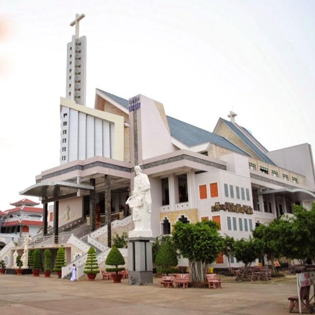 TPHCM - Tour hành hương Cha Diệp - Mẹ Nam Hải - chùa Dơi 1N