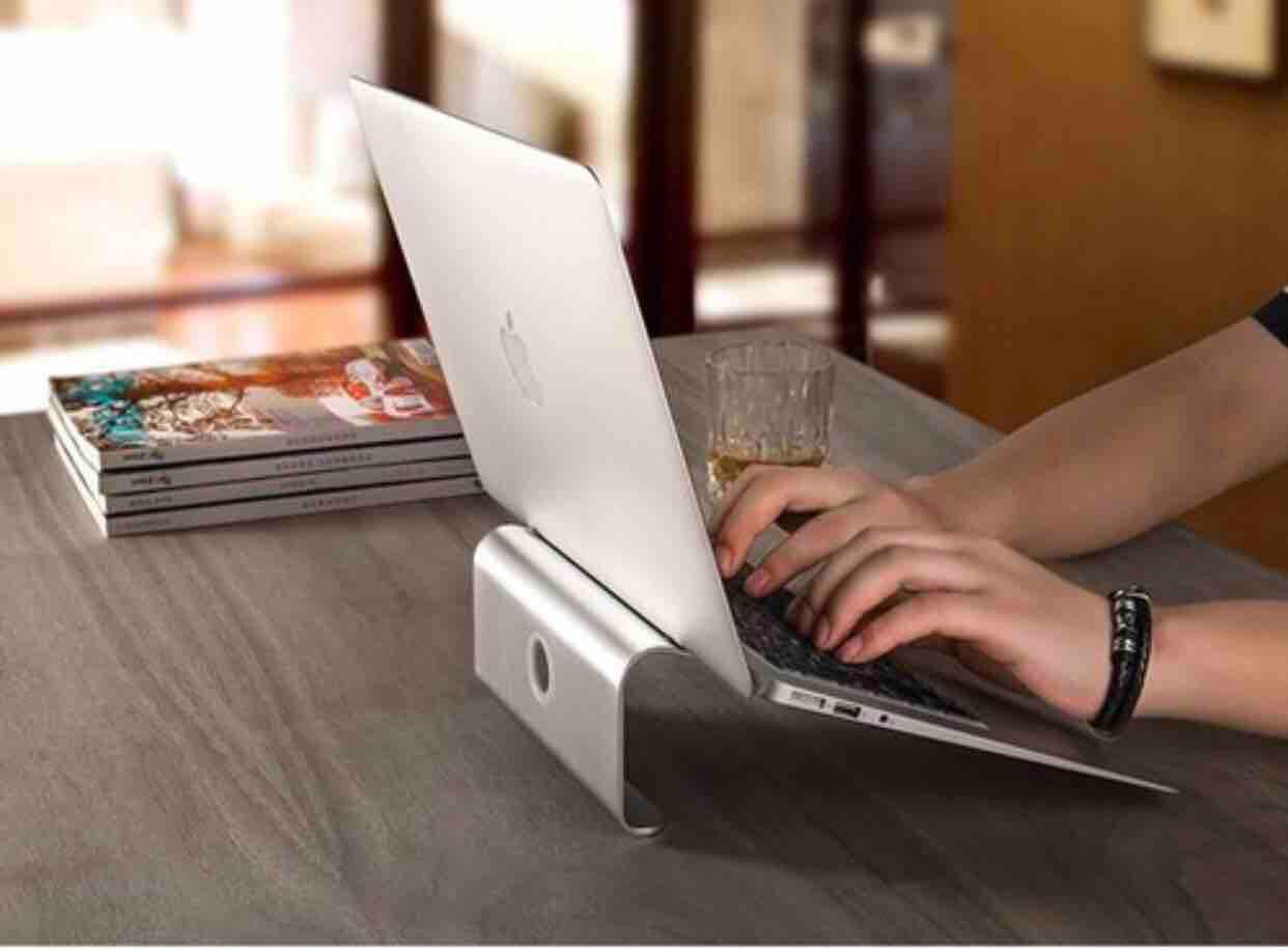 Kệ Laptop, Macbook nhôm nguyên khối (Cắt vát bo viền bằng công nghệ CNC)