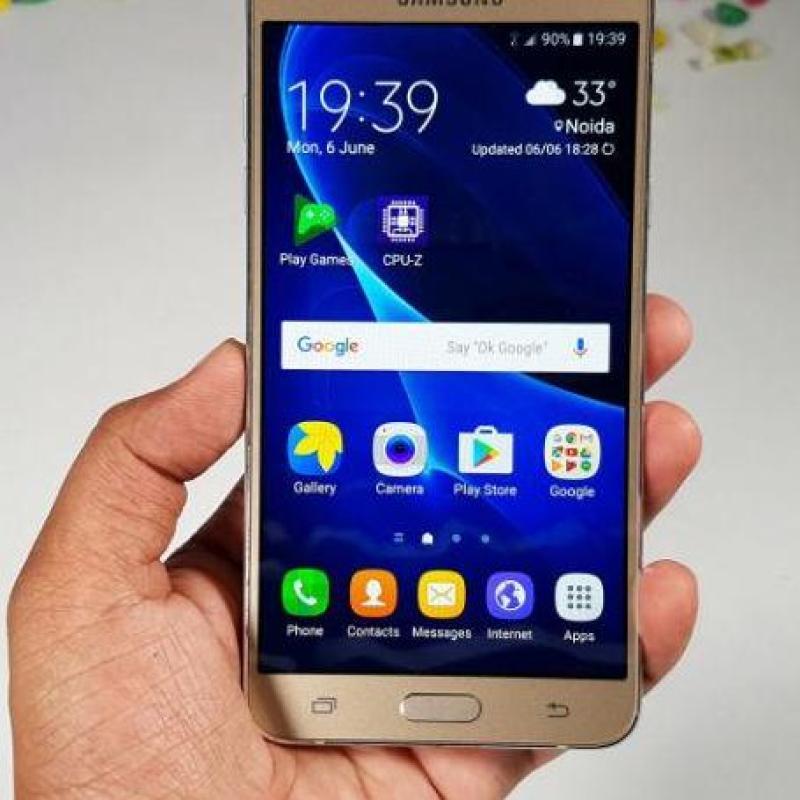 điện thoại S_A_M_S_U_G  J7 10 giá siêu khuyến mãi
