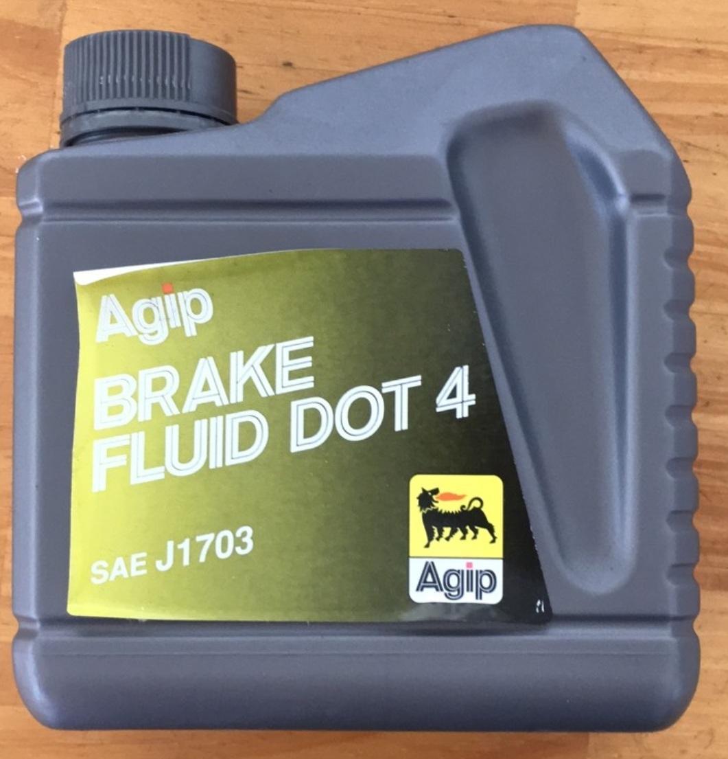 Dầu thắng Ý eni (Agip) Brake Fluid Dot 4 1L (Italy)