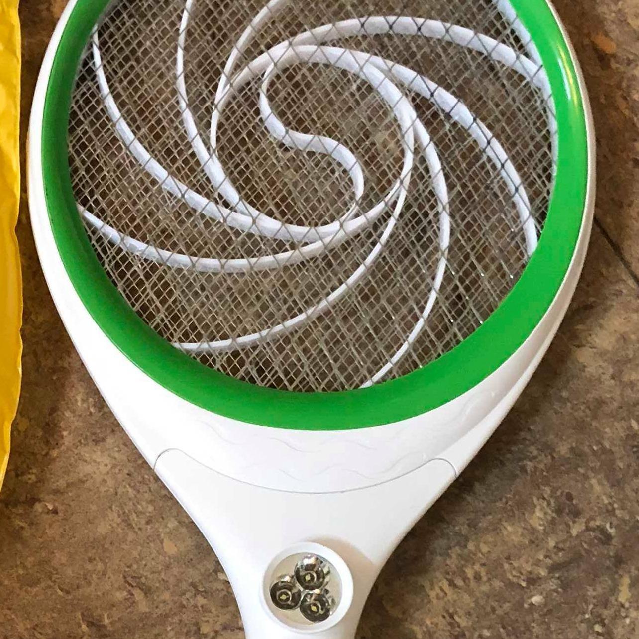 Vợt bắt muỗi A Huy