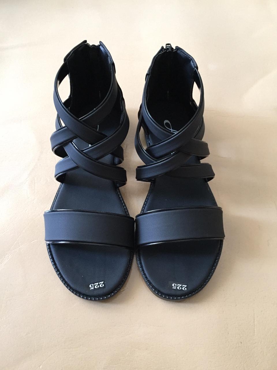 Giày Sandal Nữ Dây Chéo Thời Trang Giá Quá Ưu Đãi