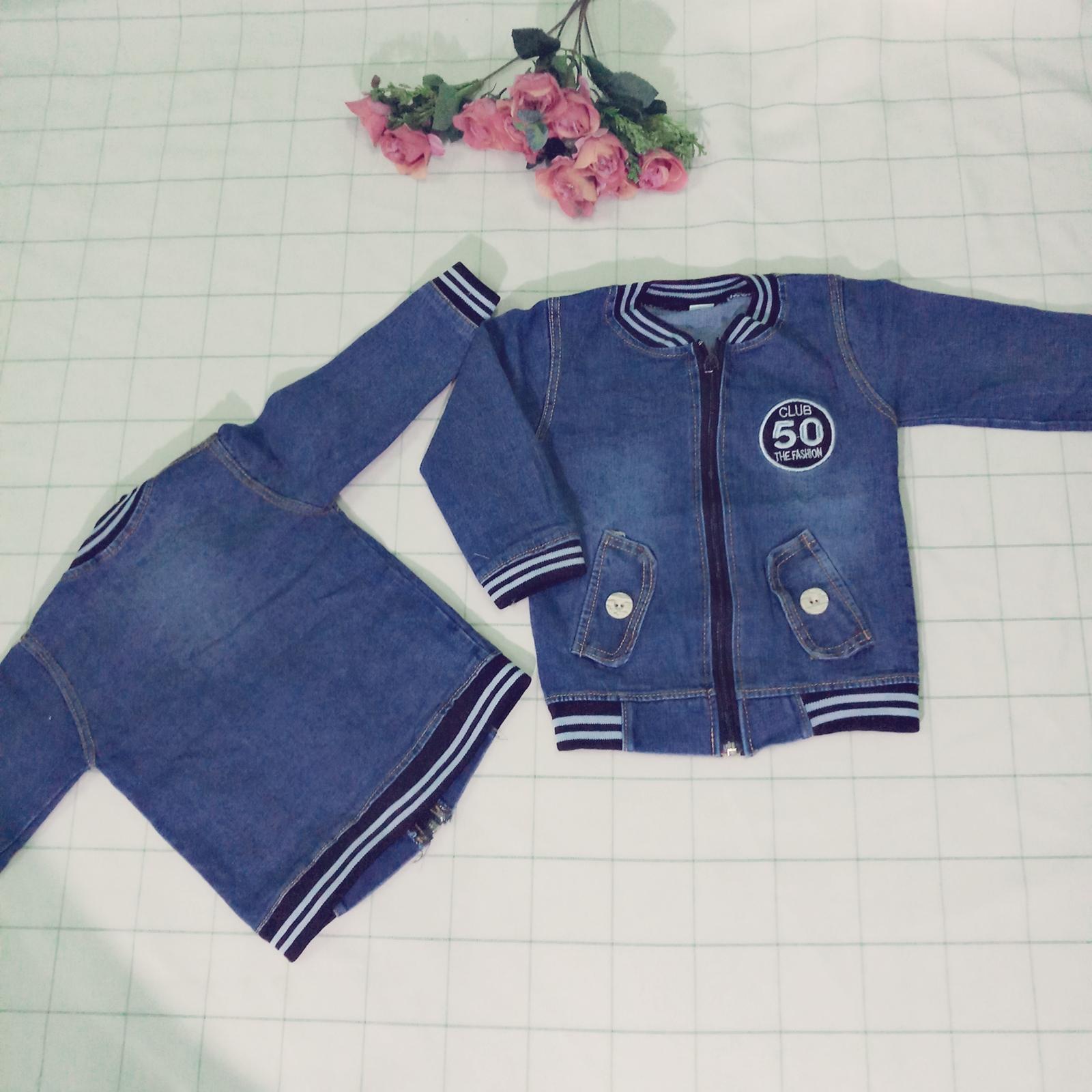 Áo khoác jean bò( Xanh) cho bé trai bé gái từ 1 tuổi đến 9 tuổi cân nặng từ 8kg đến 30kg