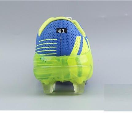 Hình ảnh Giày bóng đá iWin chất lượng