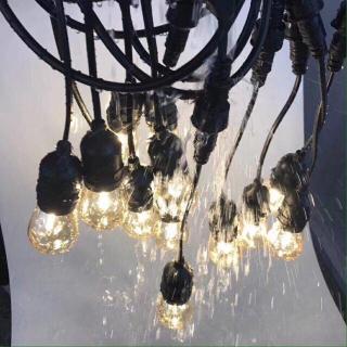 Bộ dây treo kín nước dài 10m 15 đuôi đèn e27 - phong cách châu âu chống nước. Dây đui đèn E27 ngoài trời đã được tích hợp sẵn phíc cắm và ổ cắm ở 2 đầu thumbnail