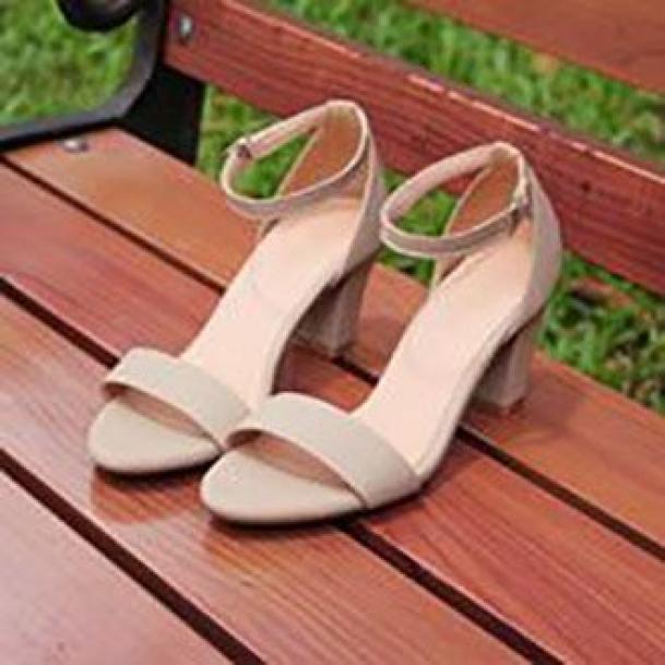 [ẢNH THẬT] Giày cao gót sandal 7 phân quai bản kem LZ012 giá rẻ