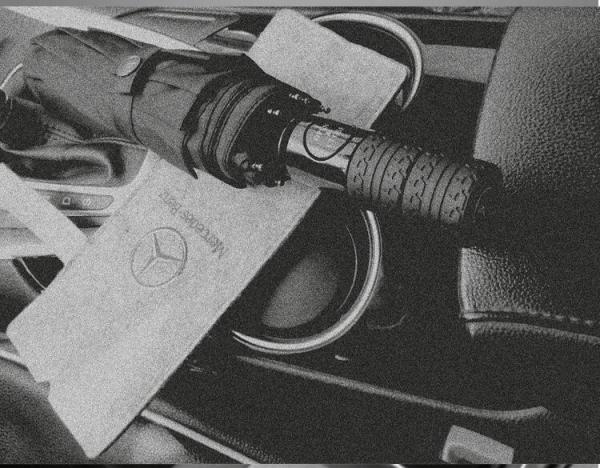 Ô dù tự động đóng mở đi ô tô logo MERCEDES chắc chắn hiện đại tiện lợi (Đen) -YANME SHOP