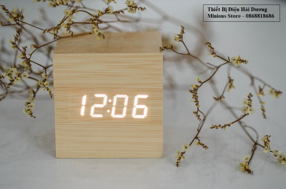 Đồng Hồ Gỗ Báo Thức Hình Vuông + Tặng kèm pin bán chạy
