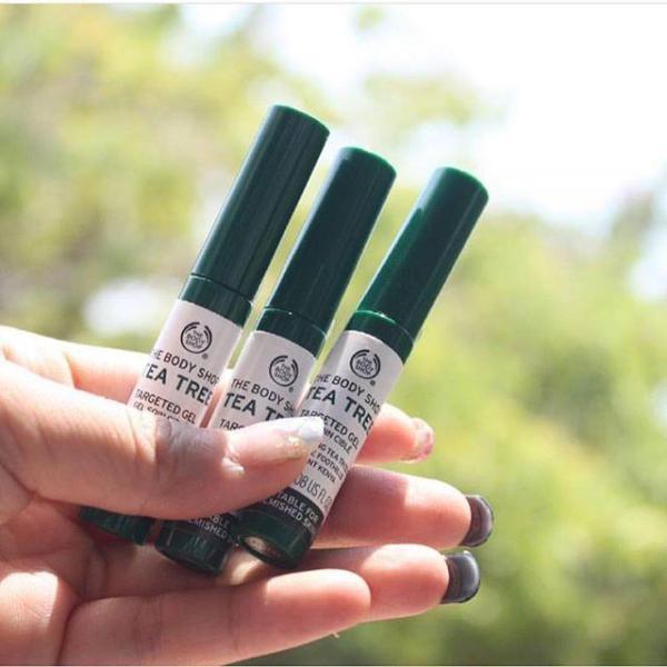Gel trị th&acircm mụn the body shop tea tree targeted gel