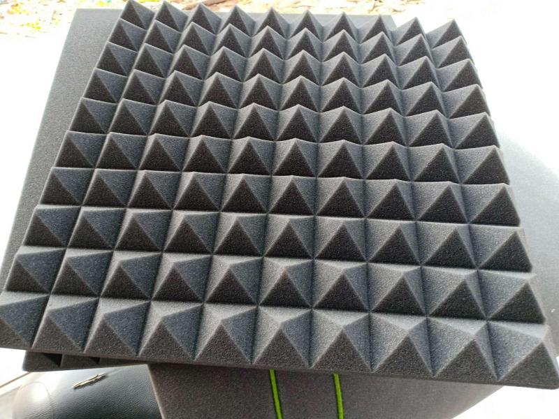 10 tấm mút xốp tiêu cách âm hình kim tự tháp KT 50x50cm