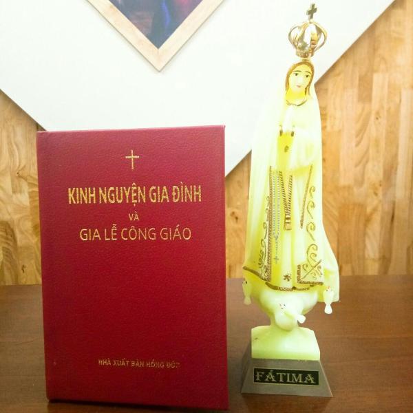 Mua Kinh Nguyện Gia Đình Và Gia Lễ Công Giáo