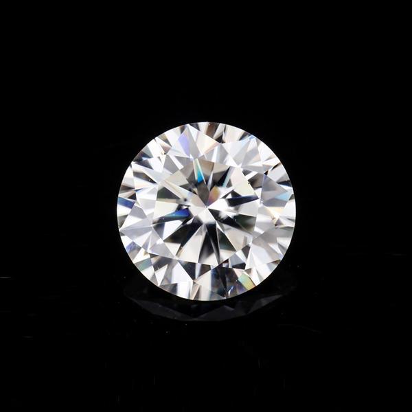 Moissanite diamond 6ly