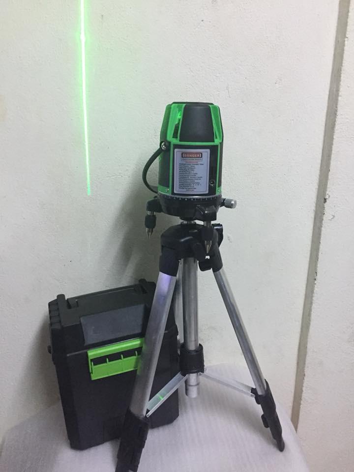 Máy cân mực laser HTC