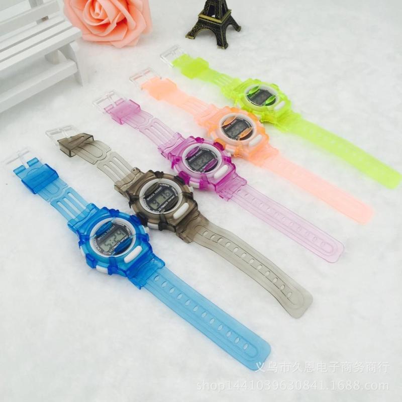 Nơi bán Đồng hồ trẻ em sắc màu thời trang
