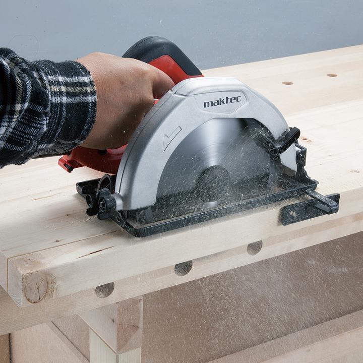 Máy cưa gỗ Maktec MT583- Công Suất 1050W