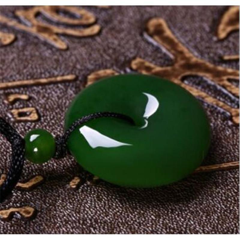 Ngọc bội cẩm thạch xanh thiên nhiên cao cấp KD99