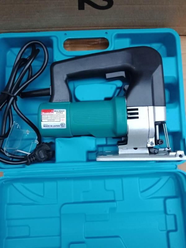 Máy cưa lọng Makita 4304 chuyên nghiệp  máy cua long cam tay