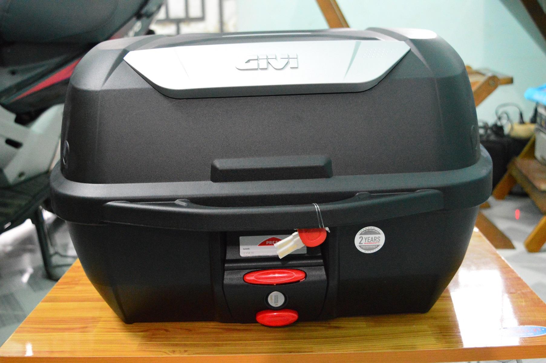 Thùng Givi E43NML ( E43NTL đã bao gồm đế đệm ) 43 lít, hàng mới chính hãng 100%, BH 2 năm