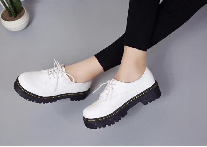 Giày đốc nữ 2 màu trắng đen sang chảnh