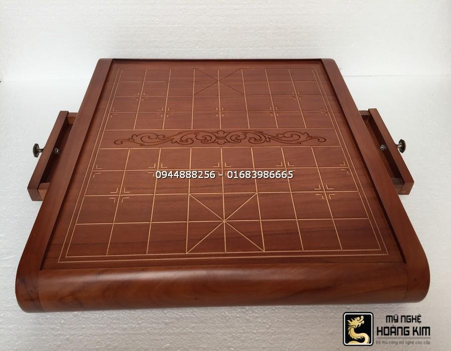 Hình ảnh Bàn cờ tướng bằng gỗ Hương - Cuốn thư hoa mai