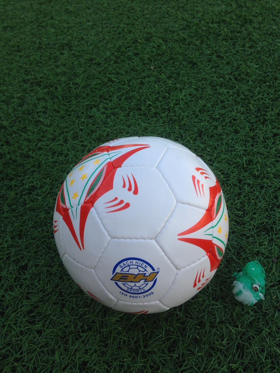 Hình ảnh bóng đá số 3 cao cấp(8-13 tuổi tặng túi lưới+kim bơm+đôi tất)