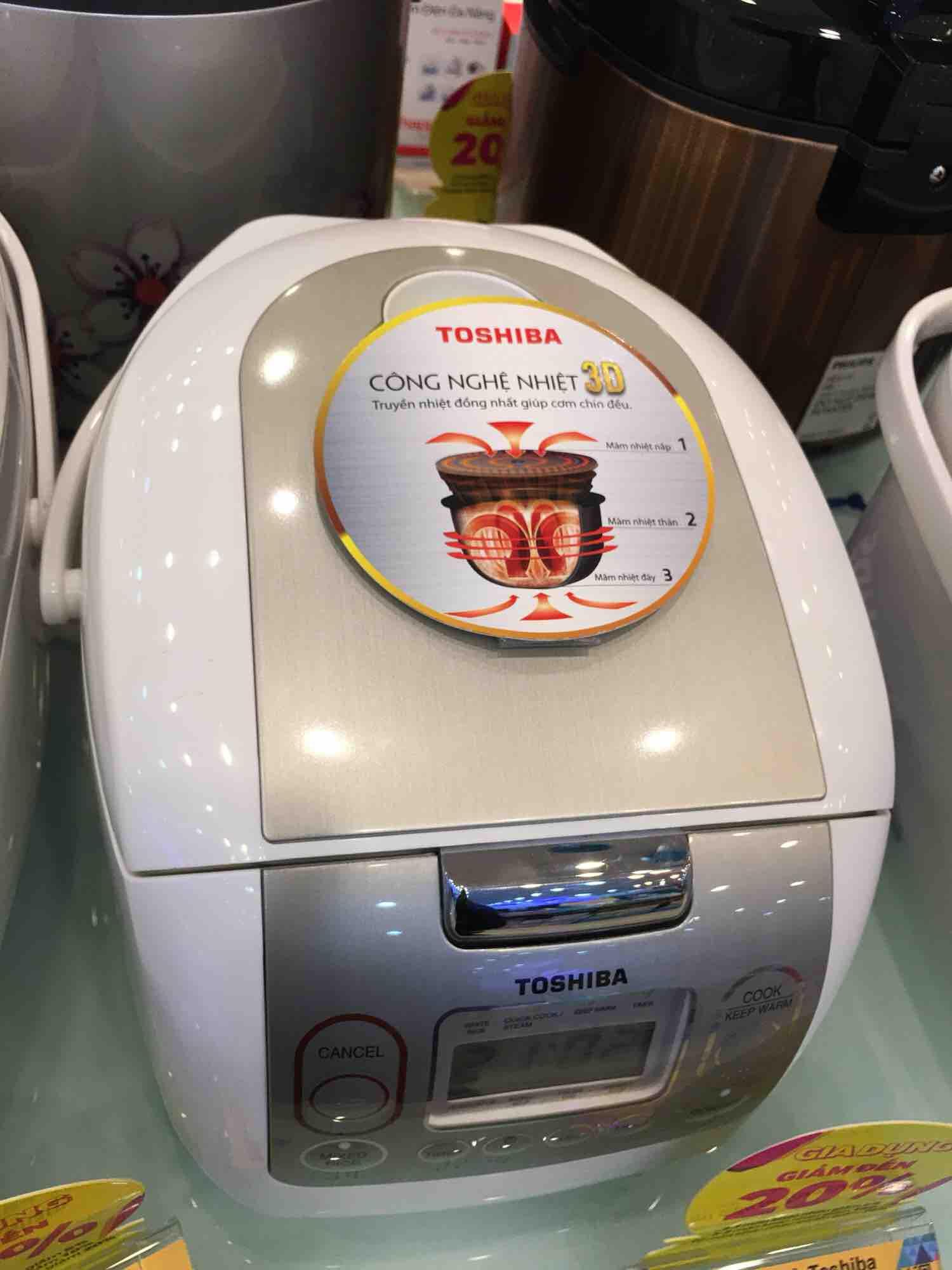 Nồi cơm điện tử Toshiba 1.8 lít RC-18NMFVN(WT), công suất 800W,Chất liệu lòng nồi:Hợp kim nhôm phủ chống dính dày 4mm, Bảo hành 12 tháng