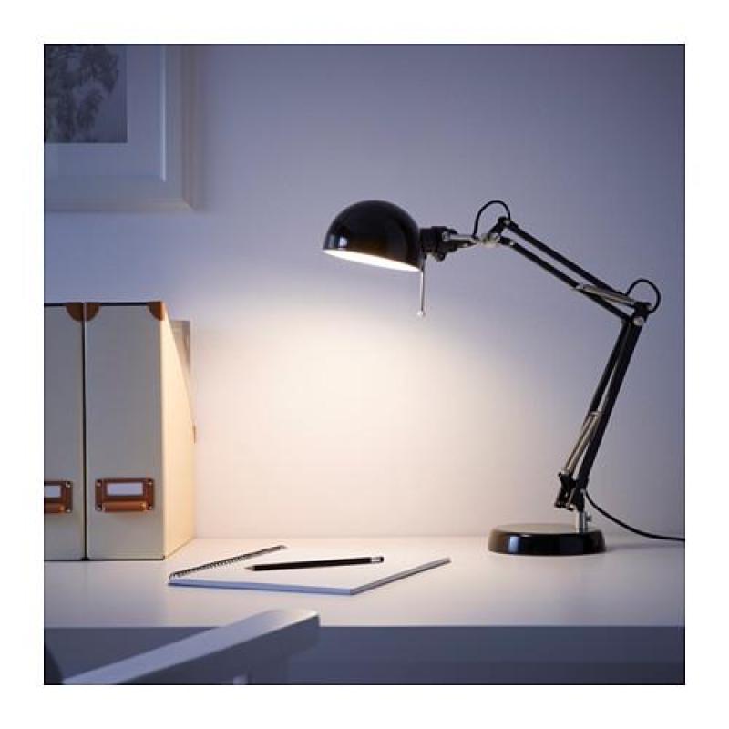 Đèn bàn làm việc Forsa