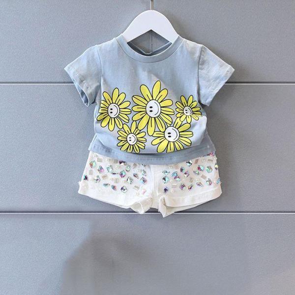 Giá bán áo thun bé gái, đồ bé gái in hình hoa cúc - có size người lớn