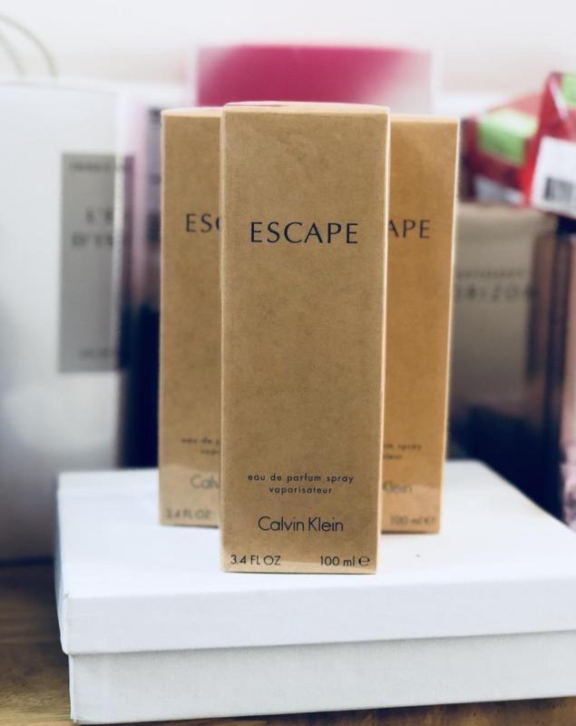 nước hoa Escape dành riêng cho người phụ nữ