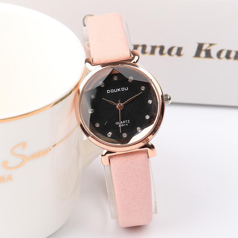 Nơi bán Đồng hồ nữ DOUKOU dây da lộn mặt vát 3D thời trang MDL-DK4407