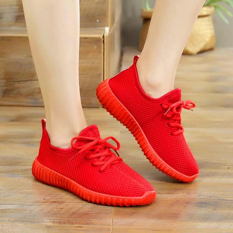 giày thể thao chạy bộ full đen đỏ siêu êm