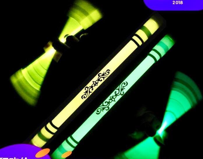 Mua Spinning pen E5 dạ quang - quay bút nghệ thuật