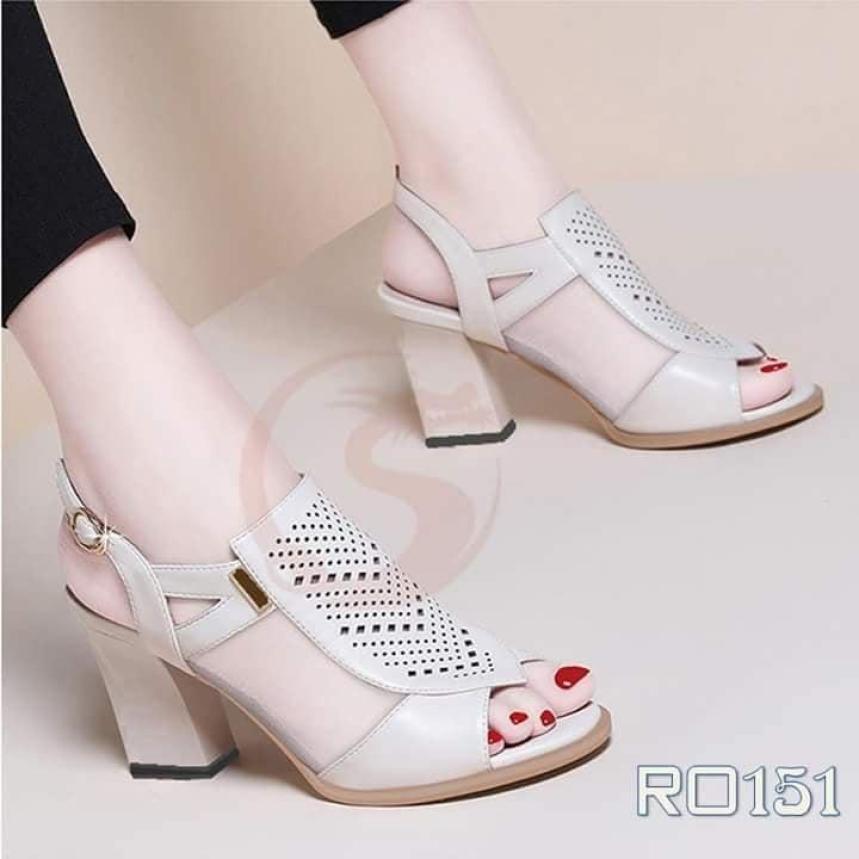 Giày sandal cao gót nữ đẹp hàng hiệu Rosata-chữ V sang trọng RO151 giá rẻ