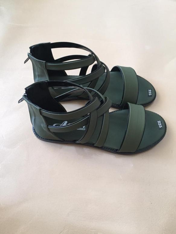 Giày sandal nữ dây chéo thời trang giá rẻ