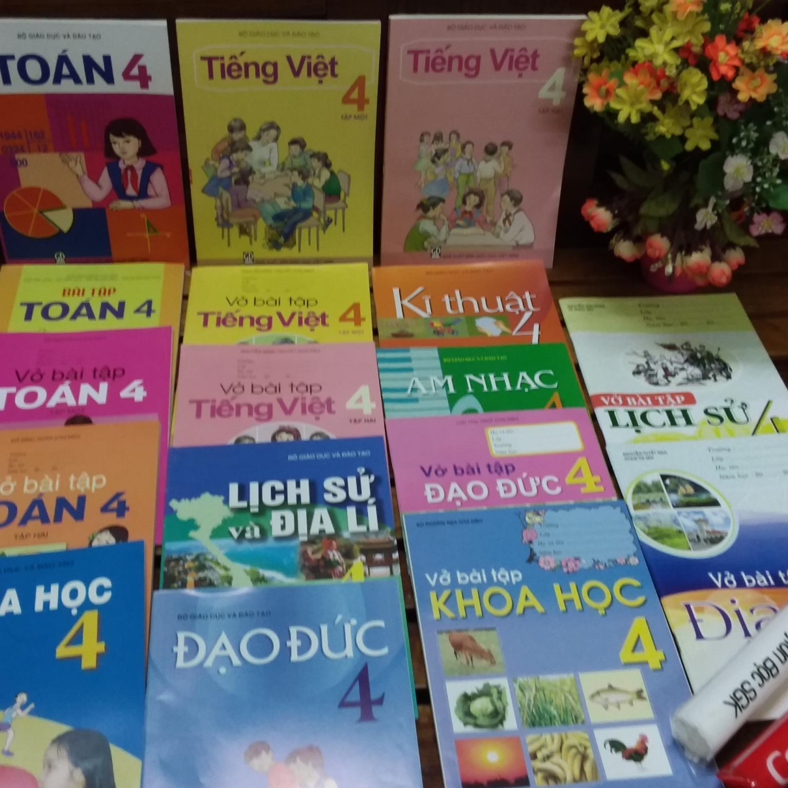 Mua Bộ sách giáo khoa lớp 4 ( sách + bài tập gồm 17 cuốn + 2 tập bọc sách giáo khoa )