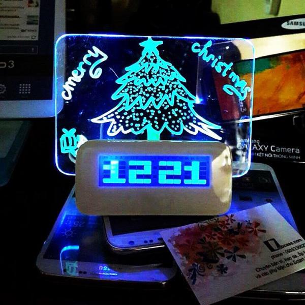 Đồng Hồ Báo Thức Để Bàn HIGHSTAR Kèm Bảng Ghi Nhớ Phát Quang Đèn LED bán chạy