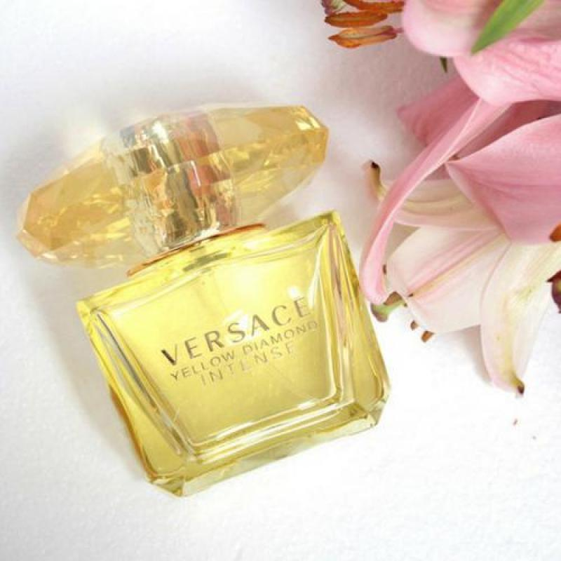 Nước hoa nữ Versace Yellow Diamond Intense 90ml