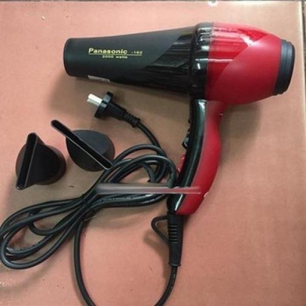 Máy sấy tóc Panasonic 162 có hương thơm 2000W (Tặg Lưỡi Dorco, Bánh IChi) cao cấp