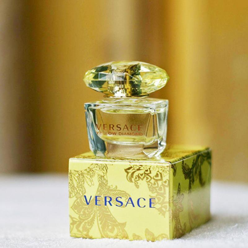 Nước hoa mini nữ Versace Yellow Diamond 5ml