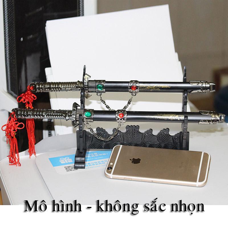 Hình ảnh bộ 2 thanh mô hình kiếm trong game trưng bày nhỏ xinh đẹp