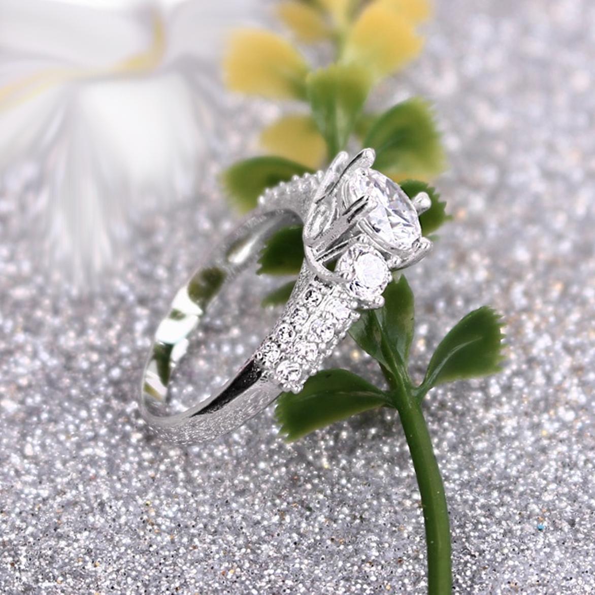 Nhẫn inox nữ đẹp đính đá bền không đen