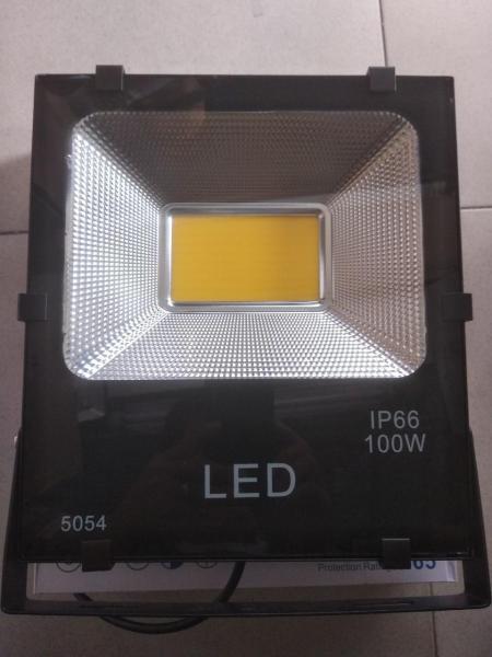 Đèn Pha led Cao cấp COB 100w 220v chống nước( Đủ wat)
