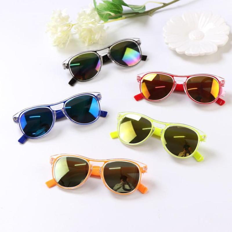 Giá bán Mắt kính tráng gương chống tia UV cho bé
