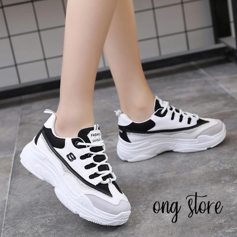 Giày thể thao nữ đế cao trắng đen