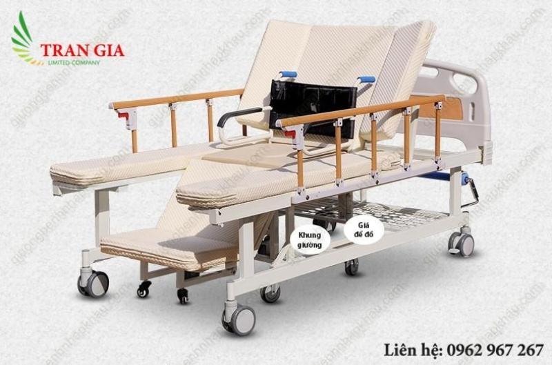 Giường bệnh đa năng tách xe lăn điều khiển bằng tay quay